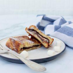 Francia mogyorókrémes-pillecukros bundás kenyér