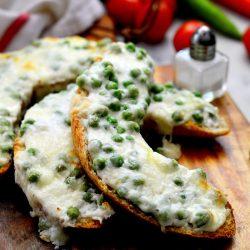 Zöldborsós-sajtos melegszendvics