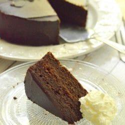 Sacher-torta cukor- és gluténmentesen