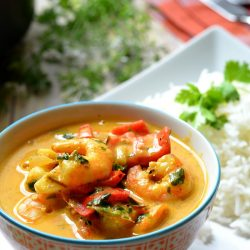 Thai paradicsomos-rákos curry