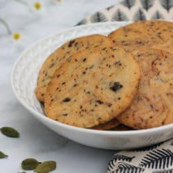 Kardamomos-csokoládés keksz