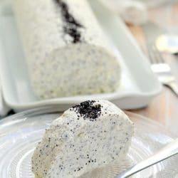 Mákos fehércsokoládé-mousse