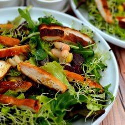 Csírás saláta csirkemellel