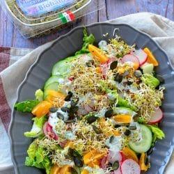 Tavaszi vegyes saláta csírával