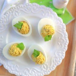 Déli tőkegombás töltött tojás