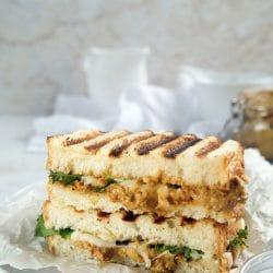 Aszaltparadicsom-krémes panini