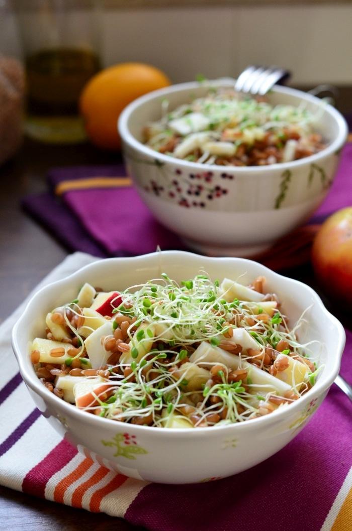 Almás-zelleres-csírás tönkölybúza-saláta