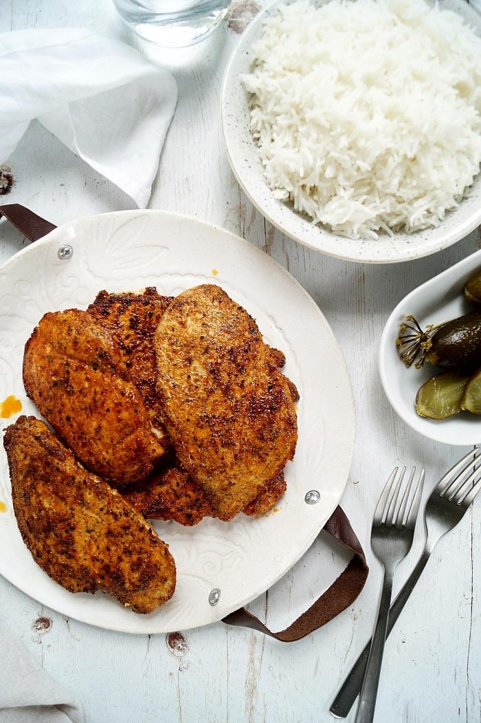 Fűszeres kéregben sült csirkemell